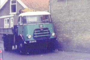Leen Groen  Middelharnis  ZB-68-33  DAF