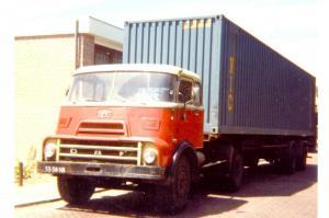 Peeman  Middelharnis  55-38-NB  DAF 2400 DK