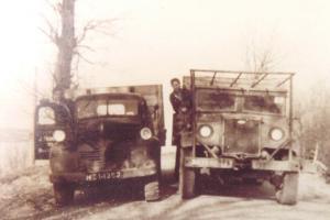 Trommel  Stad ah Haringvliet  Dodge   HZ-14352  en Ford      NB-28-00