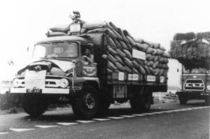 Trommel  Stad ah  Haringvliet  VL-16-37  Ford Thames Trader