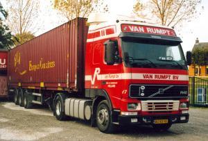 van Rumpt  Stad ah Haringvliet  BG-XD-93  Volvo  FH 12  Gltr  No 17