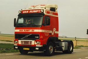 van Rumpt  Stad ah Haringvliet  BG-XL-30  Volvo  FH 12  Gltr  No 25