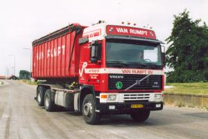 van Rumpt  Stad ah Haringvliet  VV-90-HZ  Volvo F-12 Gltr No 6