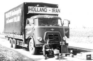van Rumpt  Stad ah Haringvliet      VB------  DAF   onderweg naar Iran
