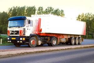 van  Dongen   Dirksland     VG-64-DS   MAN 19-362  No 64